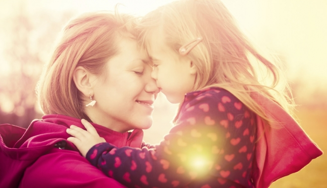 Foto: Vreţi să adoptaţi un copil? Amănunte care vă pot reduce perioada de aşteptare (I)
