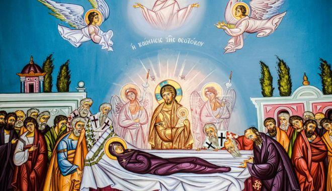 Foto: Ortodocşii vor sărbători Adormirea Maicii Domnului