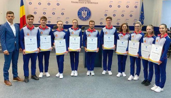 """""""Aerobicii"""" tricolori, premiaţi de ministrul Tineretului şi Sportului - aerobicii-1624039433.jpg"""