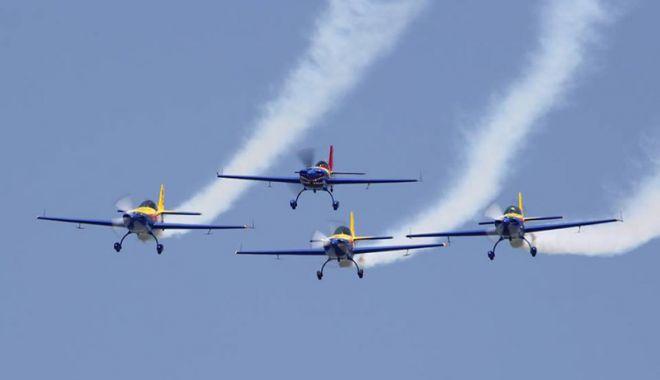 """Foto: """"Aviaţia dă senzaţia"""". Vă invităm la show-ul aviatic """"Aeromania"""""""