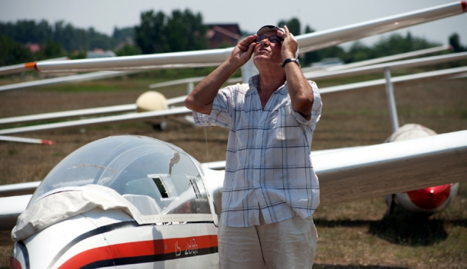Foto: Zece ani de Aeromania, la Tuzla. Invitat special: cel mai în vârstă pilot român