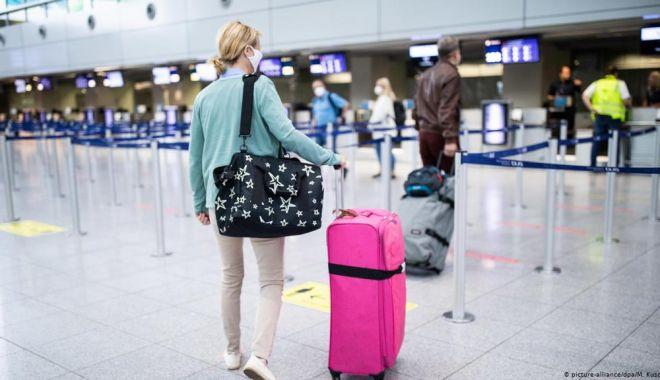 Liderii UE vor discuta despre pașapoartele de vaccinare pentru resuscitarea turismului - aeroport-1614191427.jpg