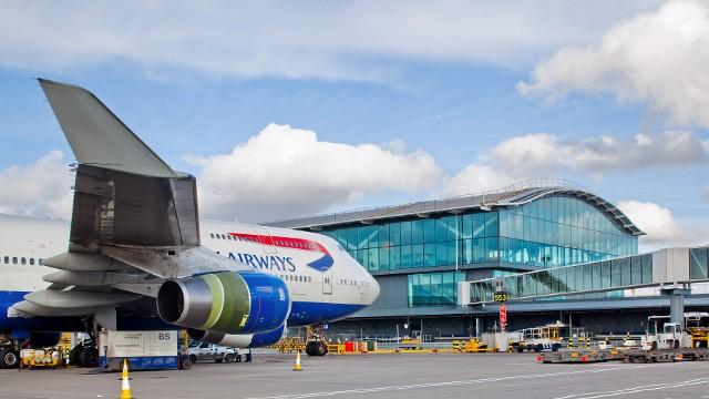 Foto: Anchetă după găsirea unor informații privind securitatea aeroportului Heathrow