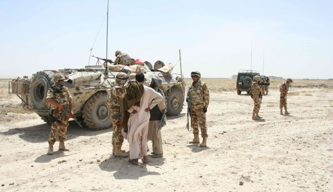 Foto: Imagini de colecţie. Militari români, în misiune în Afganistan, în 2006