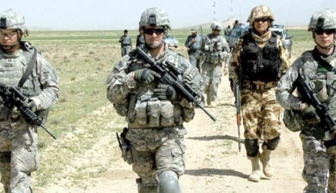 Foto: Aviaţia afgană a ucis din greşeală 10 luptători din forţele de securitate