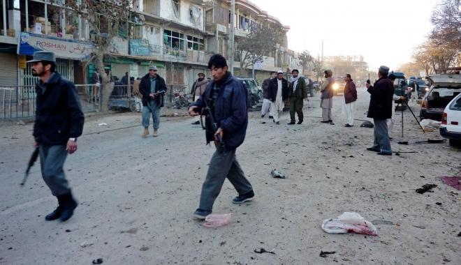 Foto: Dublu atentat cu bombă. Cel puţin cinci morţi şi 13 răniţi