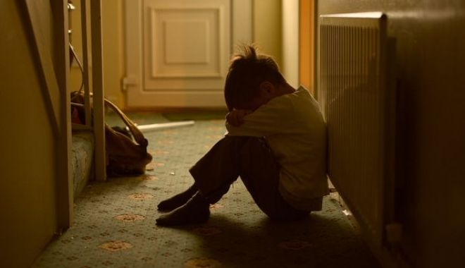 Foto: Femeia care a avut o relație de durată cu un băiat de 11 ani e asistentă socială