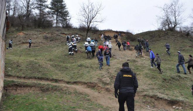 Peste 100 de oameni caută un copil de 3 ani, dispărut în pădure - ager-1609830698.jpg