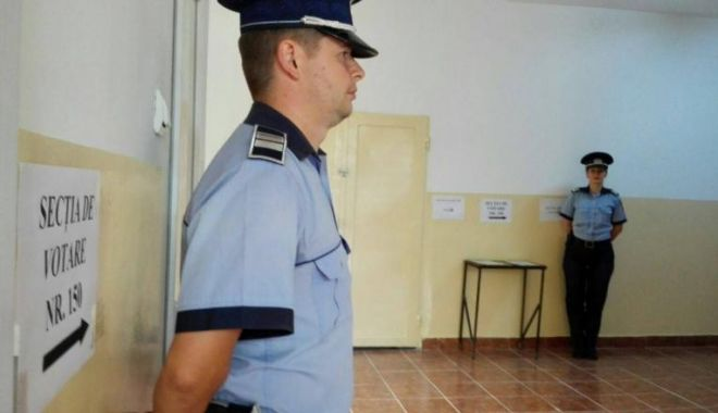 Foto: Votantă din Constanţa, prinsă în timp ce încerca să să introducă în urnă mai multe buletine de vot