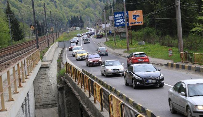 Aglomerație pe DN1: În Comarnic și Bușteni se circulă în coloană - aglomeratiedn1-1627735296.jpg