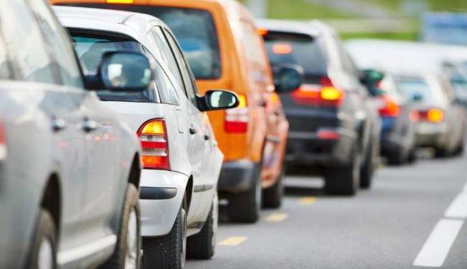 Foto: Atenţie, şoferi! Circulaţie blocată pe strada Barbu Ştefănescu Delavrancea!