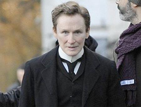 Ce actriță celebră s-a transformat în bărbat / VIDEO - albertnobbsglennclose-1318581587.jpg