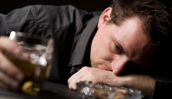 Foto: Cât de mult le place să bea unora? Consumul de alcool a crescut în ultimii ani