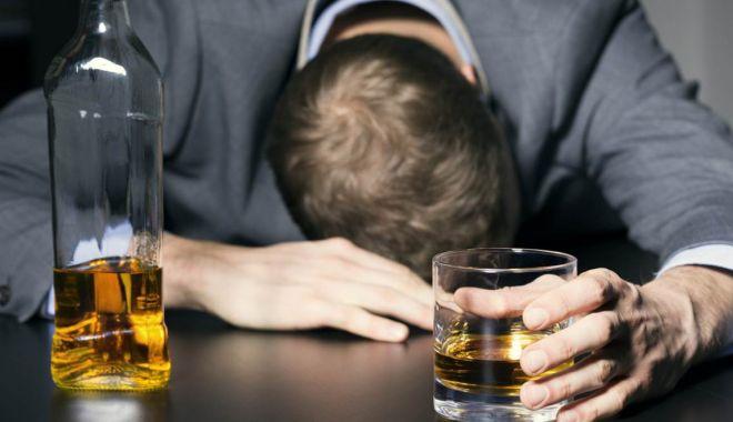 Foto: CONSUMAŢI ALCOOL? ATENŢIE MARE! Ce spune un nou studiu