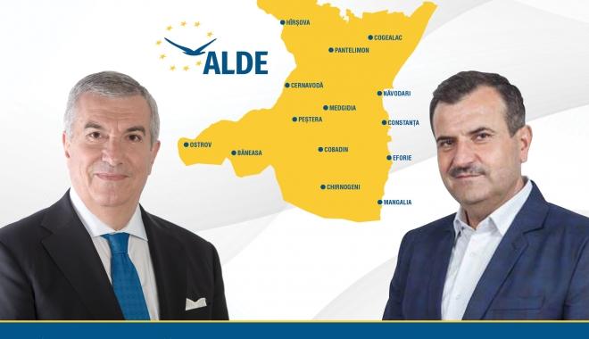"""Foto: Modelul de administraţie """"Vrabie"""" şi cel de guvernare """"Tăriceanu"""", adoptate de candidaţii ALDE pentru judeţul Constanţa"""