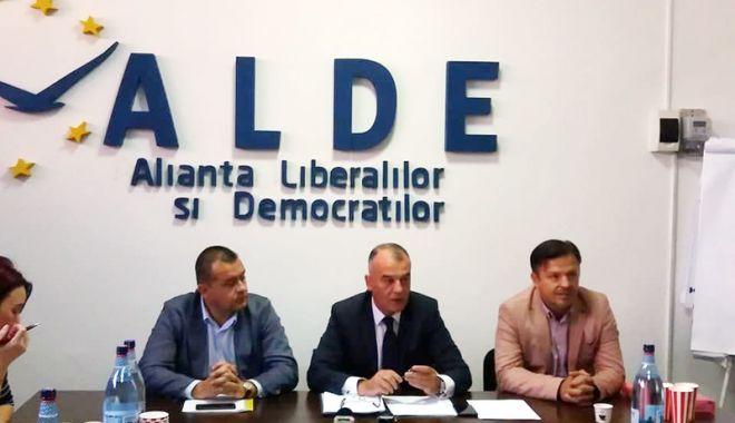 """Foto: ALDE Constanța, planuri mari până la alegeri. """"Vrem să avem organizații în toate localitățile din județ"""""""