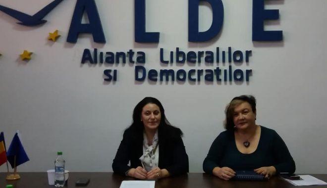 """Foto: Medicul Iuliana Botezatu s-a alăturat femeilor din ALDE Constanța. """"Am avut întotdeauna convingeri liberale"""""""