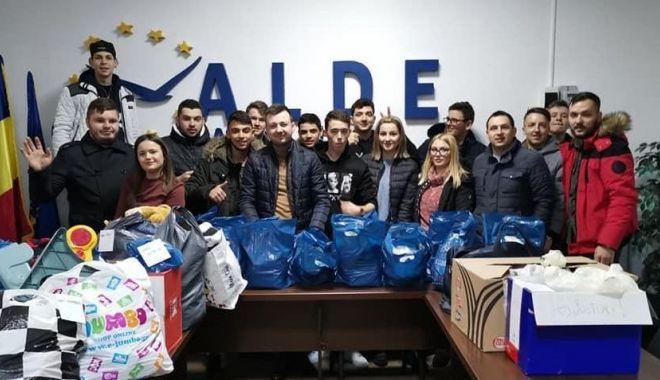 """Foto: ALDE Constanța a dat startul campaniei """"Primăvara Umanitară"""""""