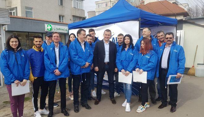 Foto: ALDE Constanța a dat startul strângerii de semnături pentru europarlamentare