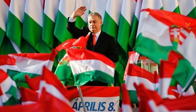 Foto: Alegeri în Ungaria. Premierul  Viktor Orban proclamă victoria Fidesz