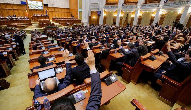 Foto: Alegerile parlamentare vor avea loc pe 6 decembrie