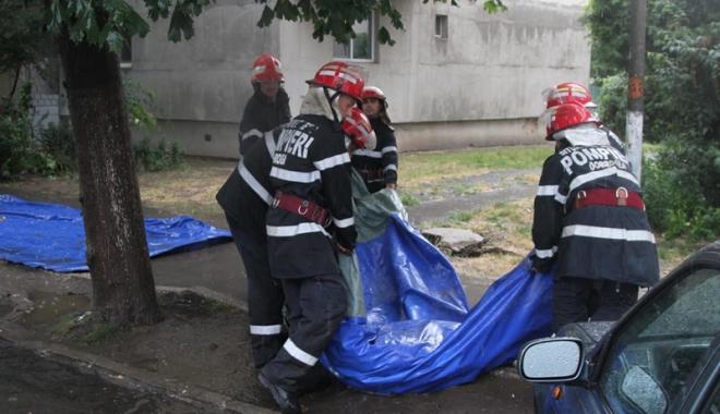 Foto: Alert� de inunda�ii �n Constan�a. Pompierii, preg�ti�i s� intervin�