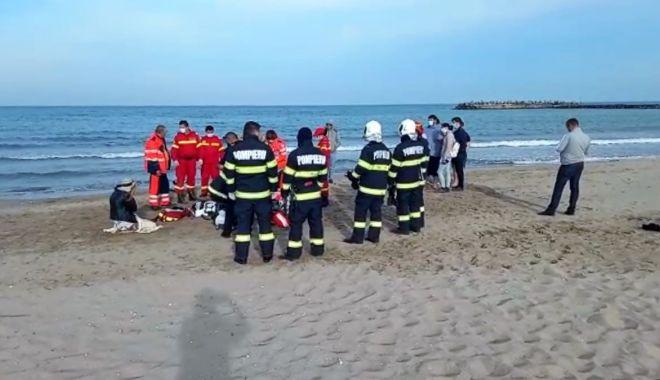 UPDATE. Alertă pe plajă. O persoană, în pericol de înec, pe plaja din 2 Mai