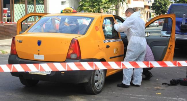 Maşina unui taximetrist, distrusă de o poliţistă în timpul unei misiuni - alertainsibiuuntaximetristafostg-1516312259.jpg