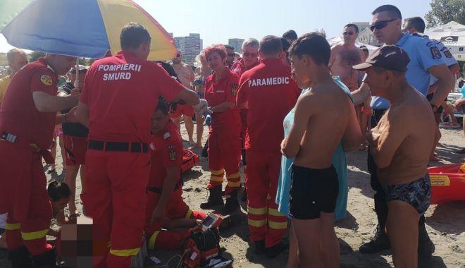 Foto: Alertă pe plaja din Mangalia. Persoană înecată!