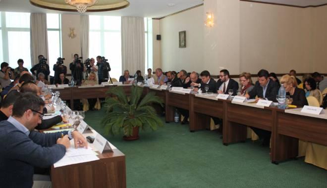 Foto: Aleşii locali din Constanţa vor modifica preţul gigacaloriei