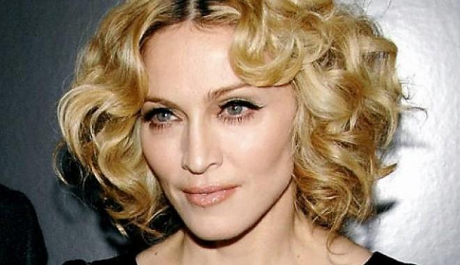 Madonna, atac dur la adresa Guvernului de la Kremlin - algmadonnaheadshotjpg-1384606880.jpg