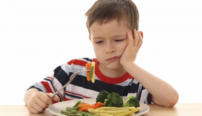 """Foto: """"Pentru copil, mâncarea nu trebuie să fie o pedeapsă, dar nici o recompensă"""""""