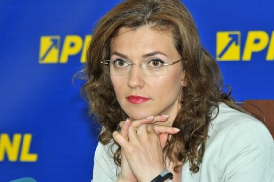 """Foto: Alina Gorghiu: """"PSD - un partid lipsit de busolă"""""""