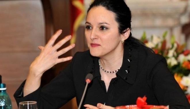 După modelul Radu Mazăre! Alina Bica a plecat în Costa Rica. Este judecată în mai multe dosare - alinabicaamfostinterceptatacasef-1516104161.jpg