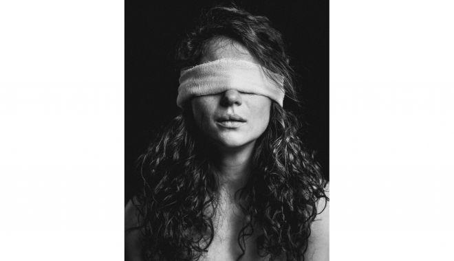 """""""Fără filtru"""" - expoziție de fotografie-portret, la Muzeul de Artă Constanţa - alinpanaite32-1628012203.jpg"""