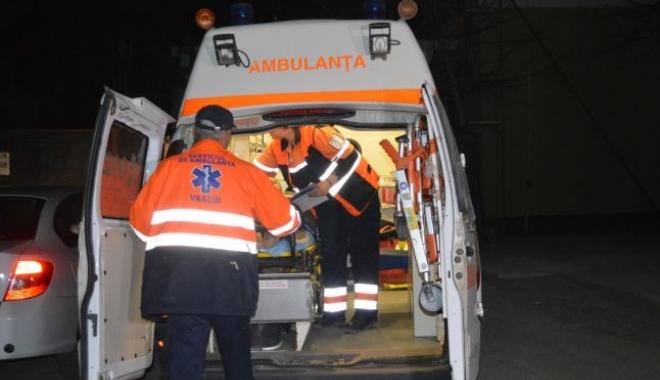 Foto: Bărbat căzut de la etajul IV, pe casa scării