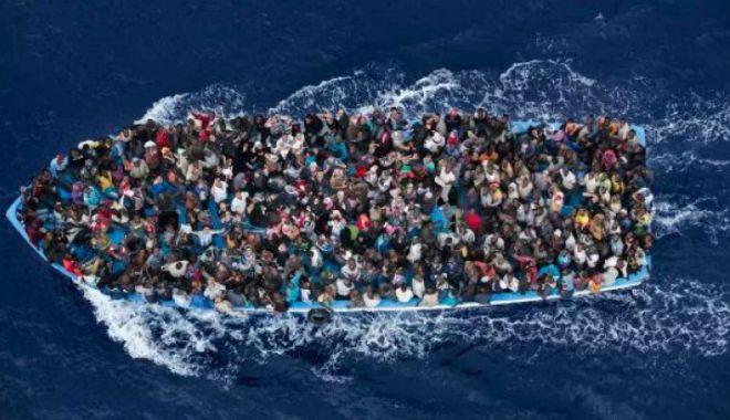Foto: Tragedie în Mediterana. Peste 100 de oameni au murit după scufundarea unei ambarcaţiuni