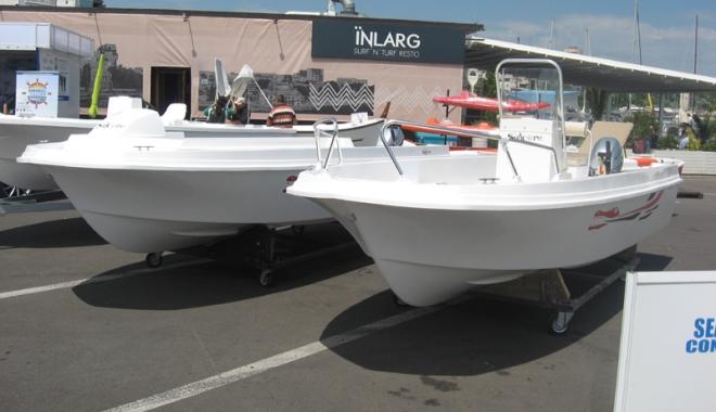 Foto: Ambarcaţiuni pentru toate buzunarele şi bolizi-auto, la Tomis Yacht