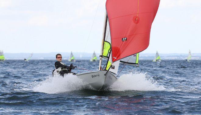 Foto: Ambarcaţiunile cu vele revin pe lacul Siutghiol: Cupa 1 iunie la yachting