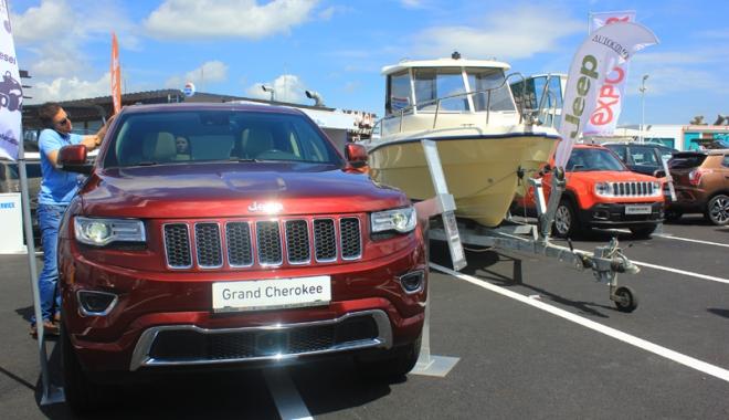 Foto: Ambarcaţiuni şi autoturisme la preţuri promoţionale, în portul Tomis