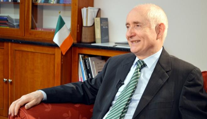 Foto: Ambasadorul Irlandei la București,  în vizită la Universitatea