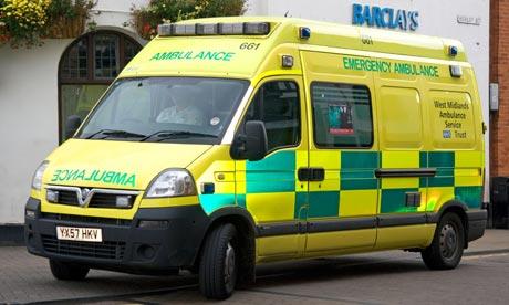 Foto: Un copil a murit după ce mama lui a așteptat 40 de minute ambulanţa. Personalul medical era în PAUZĂ DE MASĂ