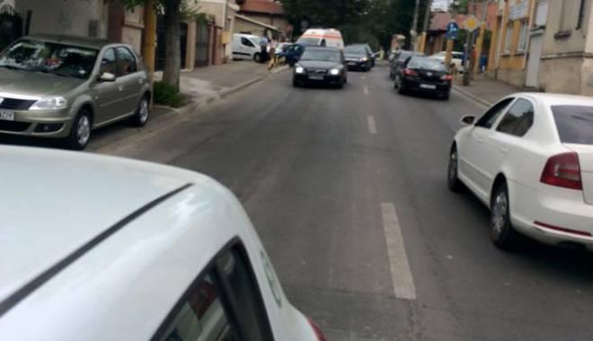 Ambulanță implicată într-un accident rutier, în Constanța - ambulanta1-1438164297.jpg