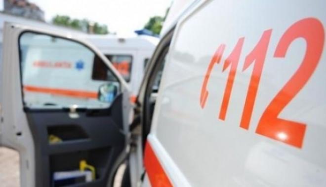 Foto: Copil de 12 ani în stare gravă, după ce s-a electrocutat şi a căzut de la aproape 7 metri
