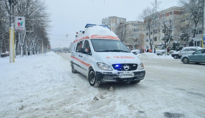 Ambulanţa, sufocată de solicitări.