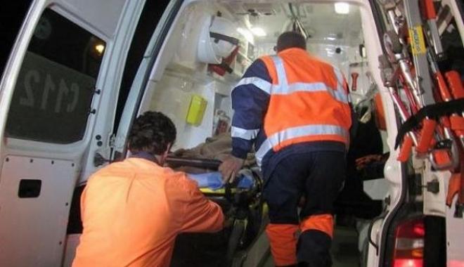 Foto: ACCIDENT RUTIER GRAV. Trei persoane au murit, după ce o maşină s-a răsturnat