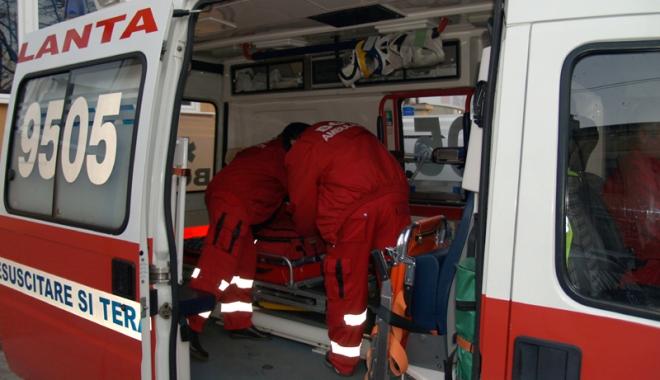 Foto: Un tânăr de 21 de ani s-a aruncat de la etajul doi al spitalului