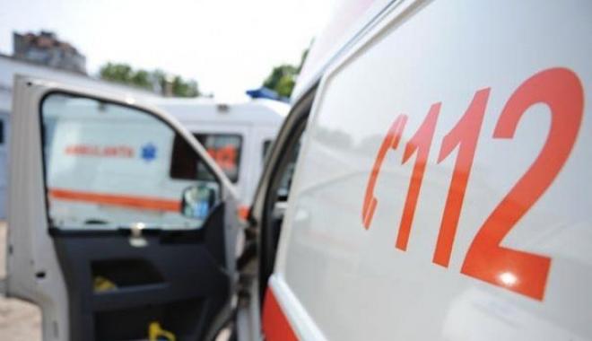 Foto: Un şofer băut şi fără permis a intrat într-un grup de pietoni: Un mort şi doi răniţi