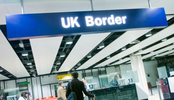 Foto: Amenințare pentru români? Boris Johnson promite să reducă nivelul imigrației dacă va câștiga alegerile