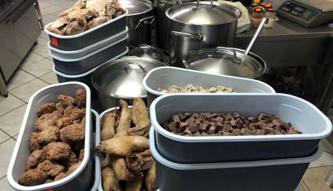 Foto: Amenzi şi produse alimentare confiscate din restaurante şi supermarketuri